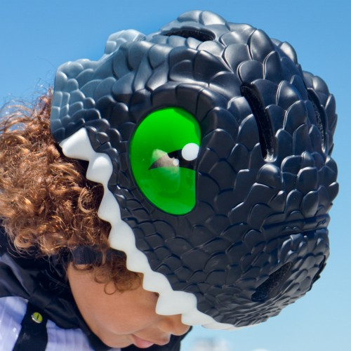 Capacete Infantil com LED Black Dragon 49 a 55 cm - Crazy Safety  - foto principal 1