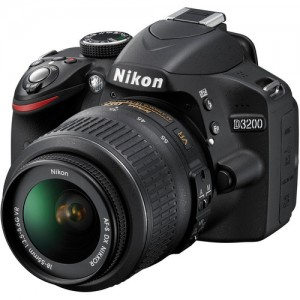 Câmera Digital Nikon SLR D3200 - 24.2Mp. - Com lente 18-55mm  AF-S DX 1:3.5-5.6G VR