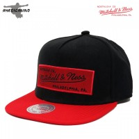 Boné MITCHELL & NESS  NOSTALGIA CO. SNAP BACK