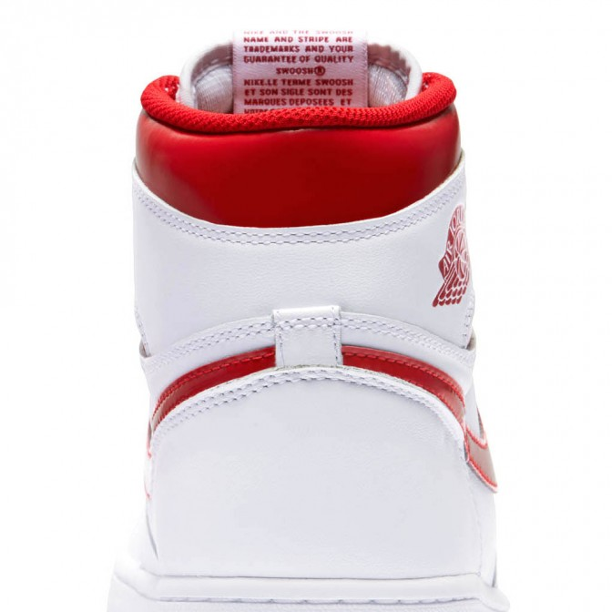 AIR JORDAN 1 RETRO METALLIC RED  - foto principal 1