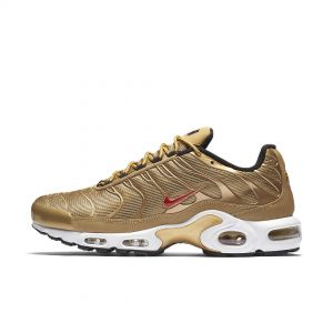 TÊNIS NIKE AIR MAX PLUS QS METALLIC GOLD