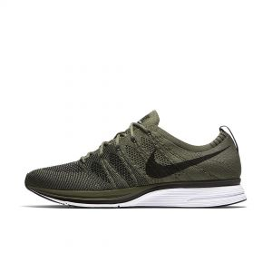 FLYKNIT TRAINER OLIVE