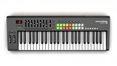 Controlador Novation Launchkey 49 | 49 Teclas | USB | Pad