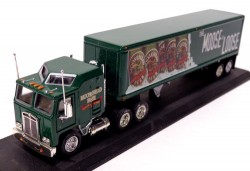 Caminhão Kenworth Cab Over Engine Truck Moosehead Beer 1/100 Matchbox Collectibles CCY03  - foto principal 1