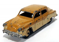 Studebaker Land Cruiser Two Tone 1/43 Dinkytoys Meccano Ltd Made in England  - foto principal 1