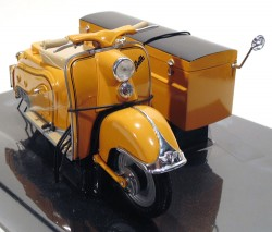 Zundapp Bella Scooter R-204 with Load Side Car 1/10 Schuco  - foto principal 1
