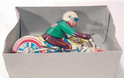VINTAGE MOTORCYCLE MOTOR RIDER RACER WIND-UP TIN TOY  - foto principal 3