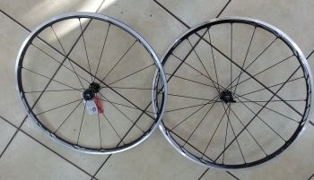 Kit de rodas Shimano RS81 C24 Carbon Clincher