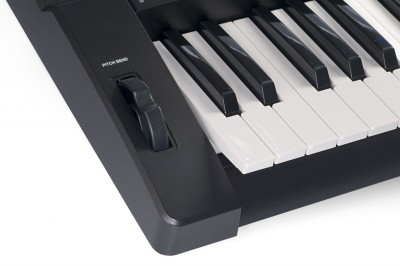 Teclado Arranjador 61 Teclas Sensitivas com Pitch Band KB330 - Revas By Roland