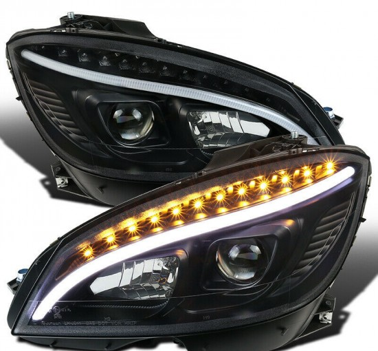 Farol Projetor LED DRL BLACK Mercedes-Benz W204 C180 - 2008 a 2011