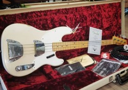 Contra Baixo Fender Custom Shop Precision Bass 1955 Limited Edition  - foto principal 1