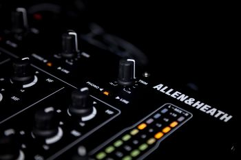 Mixer Allen & Heath Xone 43  - foto 9