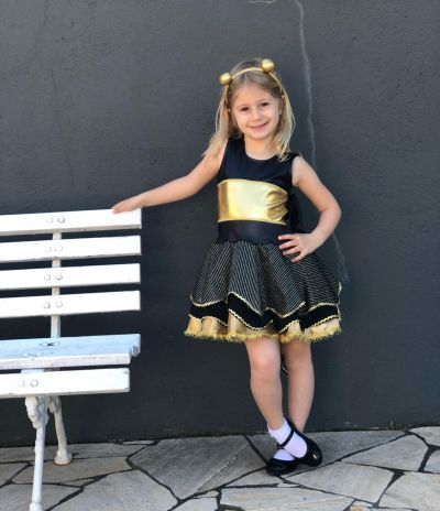 Fantasia Infantil Boneca Surprise Queen Bee